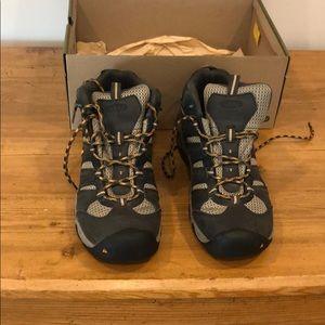 Men's Keen hiking boots